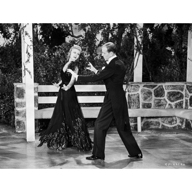 Fred Astaire And Ginger Rogers Dancing In White Tie And Tails Photo Print Walmart Com Walmart Com