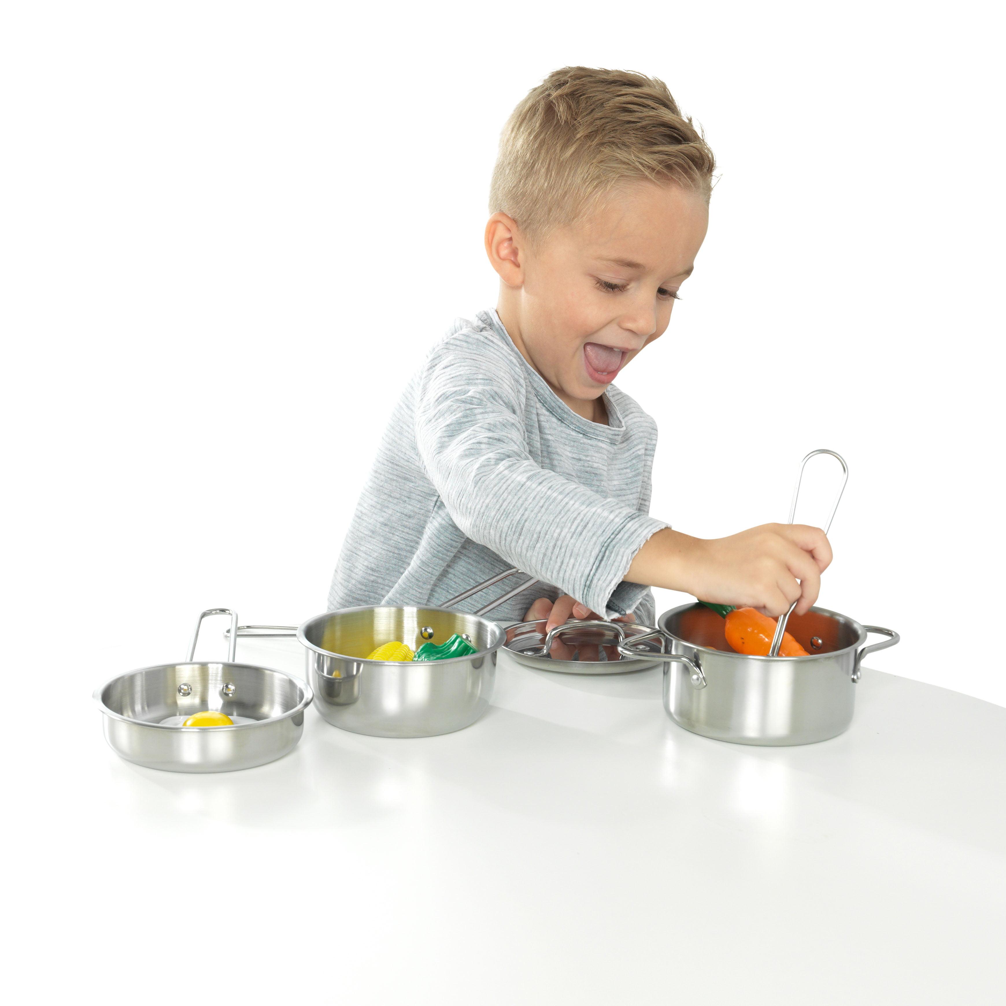 KidKraft Deluxe Cookware Set with Food by KidKraft