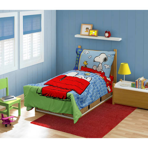 Beautiful Peanuts Snoopy Toddler Bedding Set