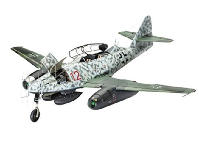 Revell 04995,Messerschmitt Me262 B-1 U-1 Nightfighter, 1:32 Scale plastic model by Revell