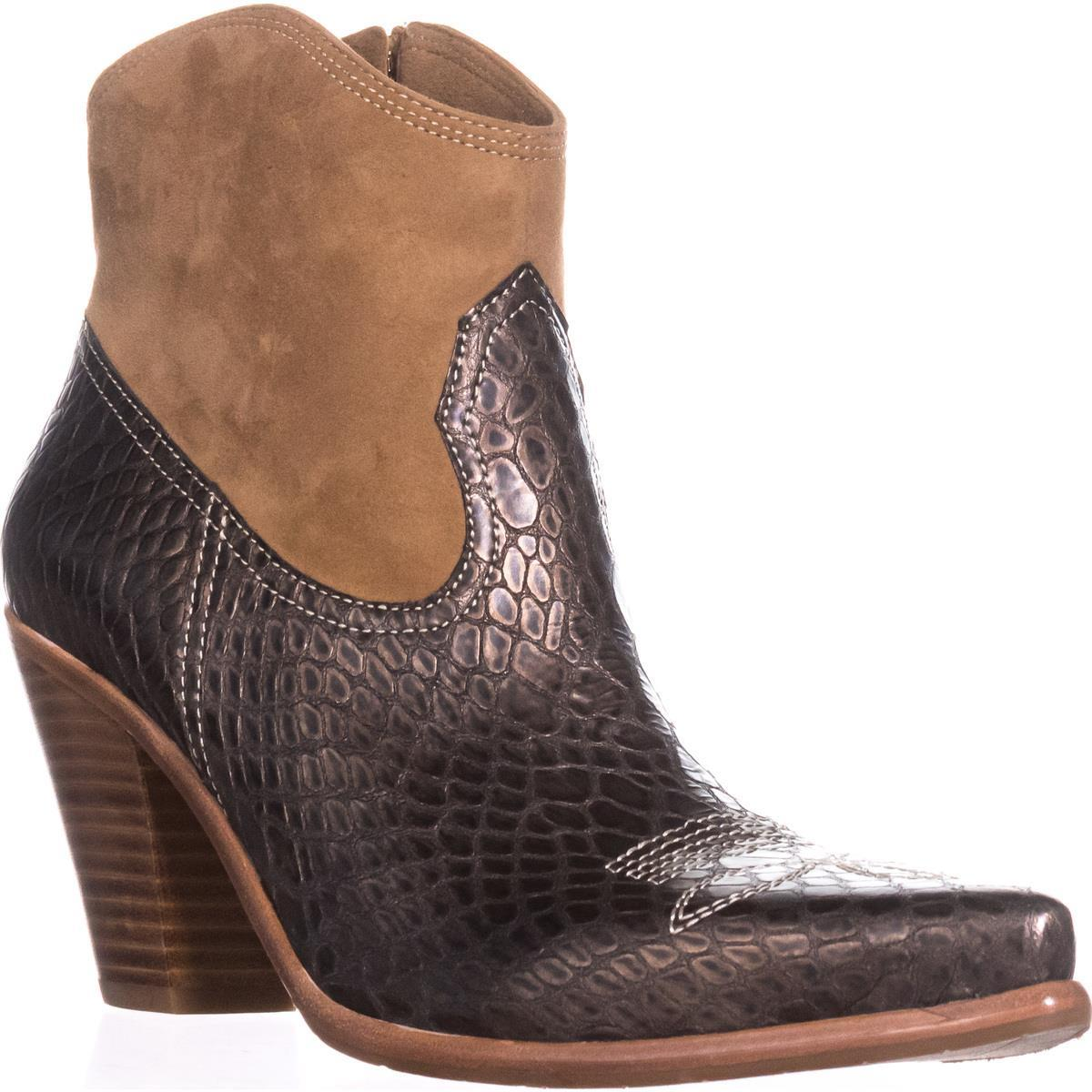 Womens Donald J Pliner Pablo Western Ankle Boots, Platino by Donald J Pliner