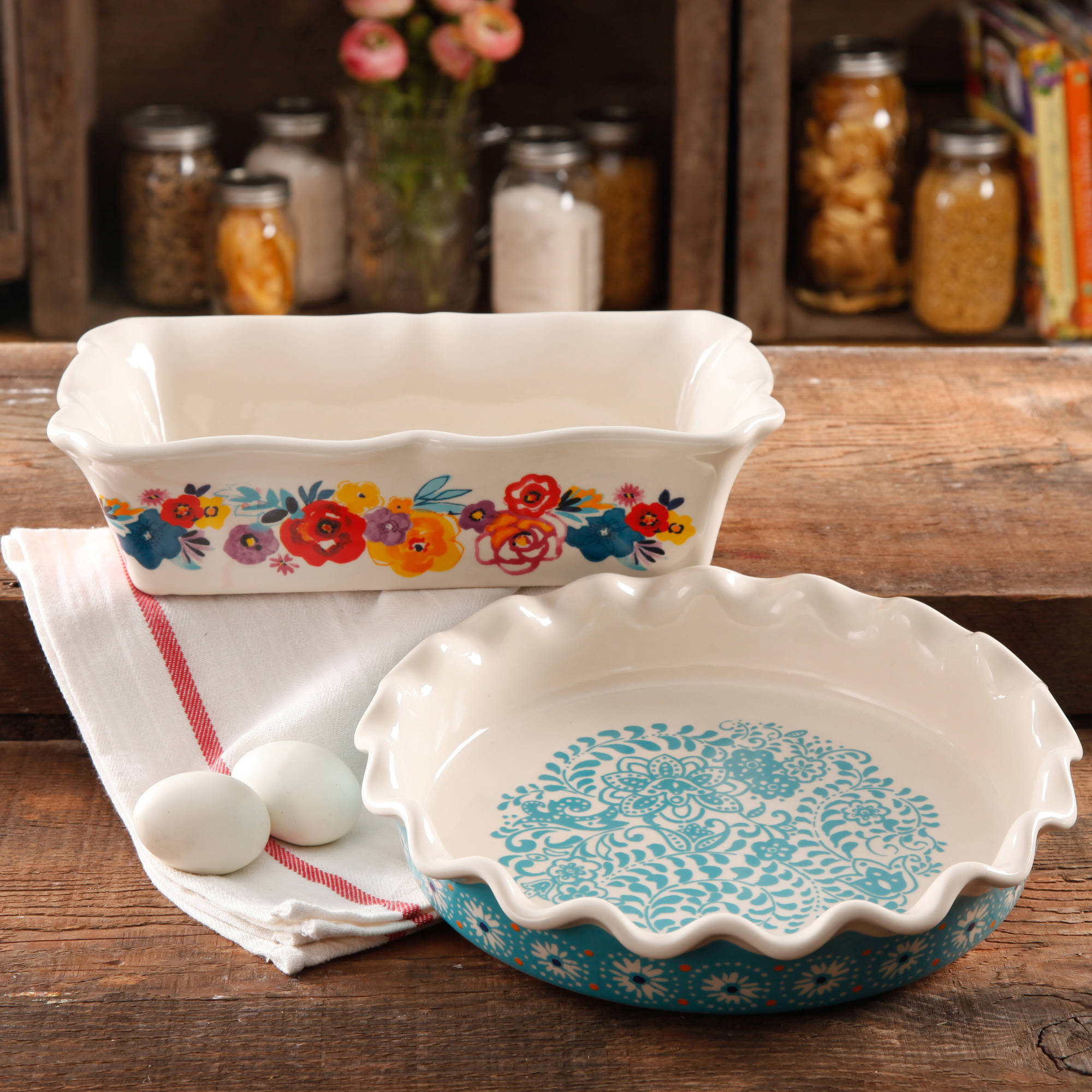 "The Pioneer Woman Flea Market Decorated 9"" Ruffle Top Pie Plate and 2.3-Quart Ruffle Top Bakeware"