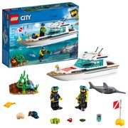 LEGO City Great Vehicles Diving Yacht 60221 Ship Building Toy and Diving Minifigures (148 Pieces)