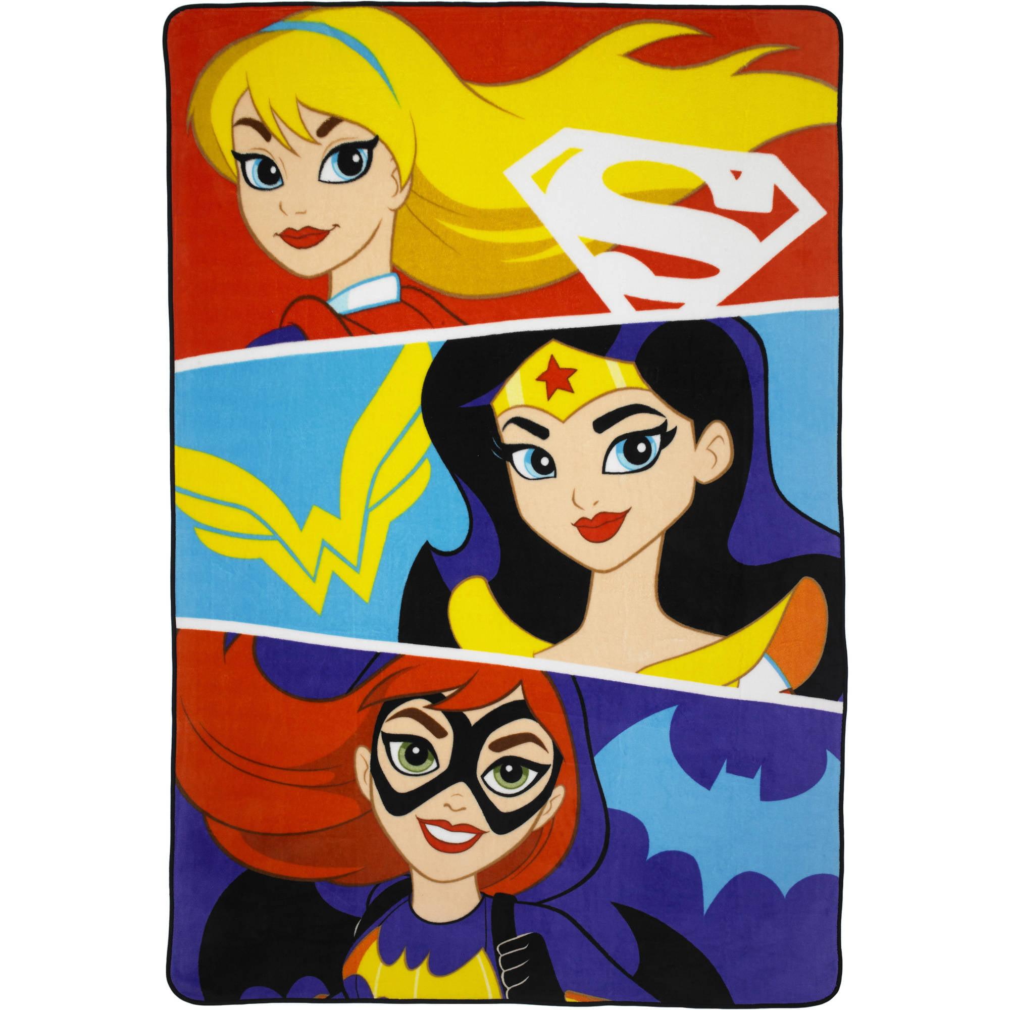"DC Superhero Girls ""Strong Heroes"" 62"" x 90"" Plush Blanket"