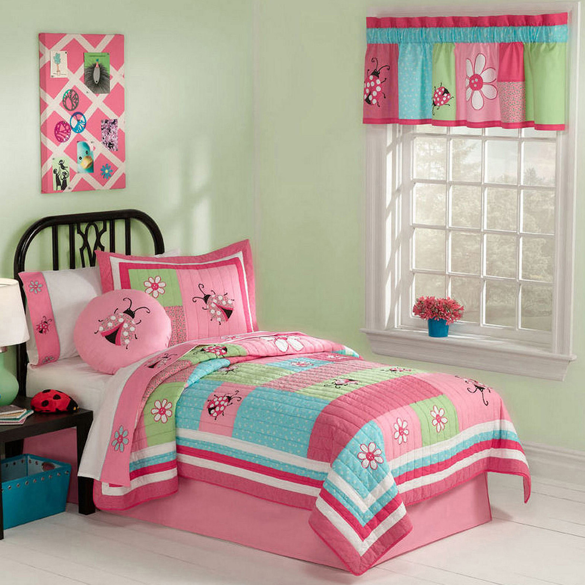 Gardener's Friend Bedding Quilt Set, Pink