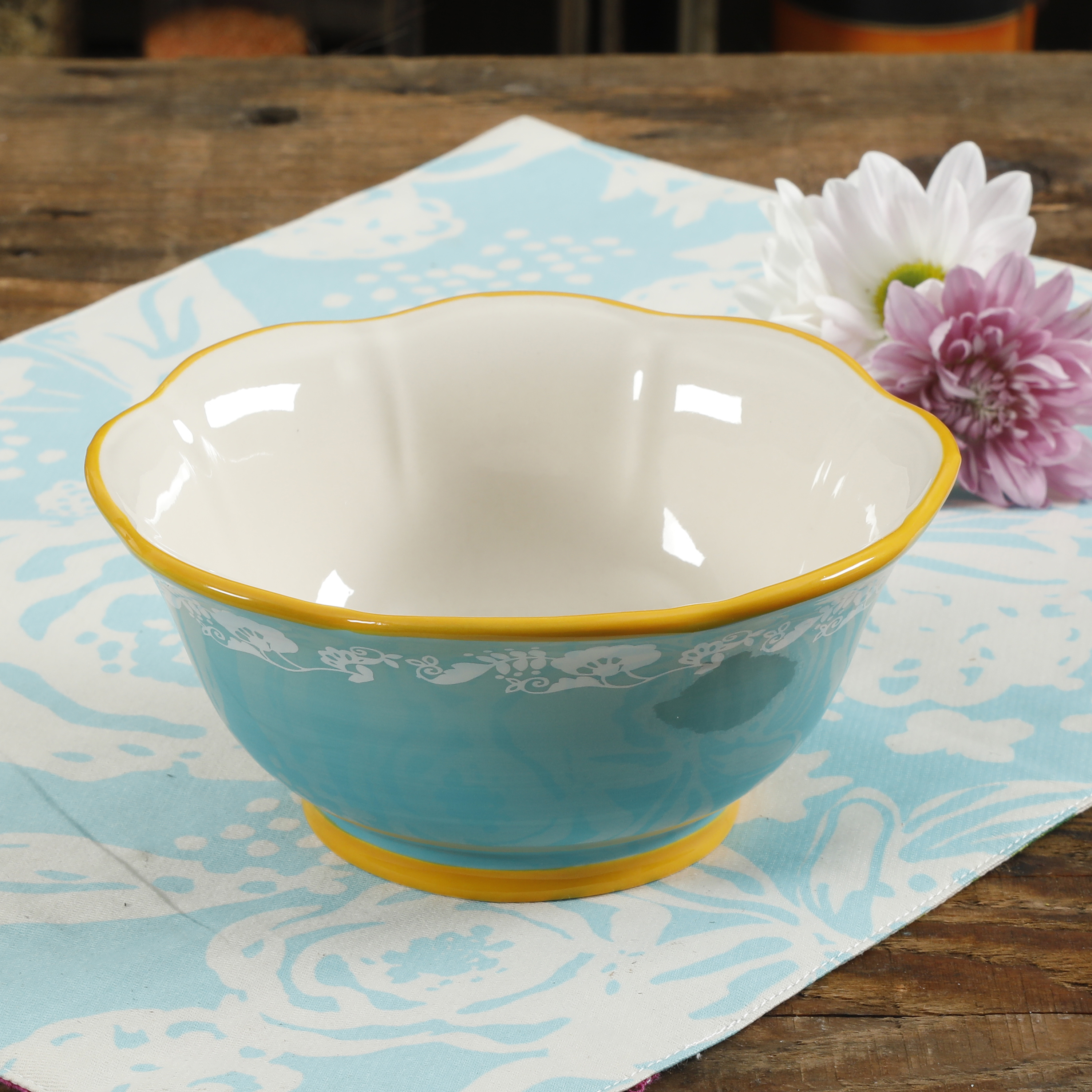 The Pioneer Woman Spring Bouquet 6.75-Inch Bowl
