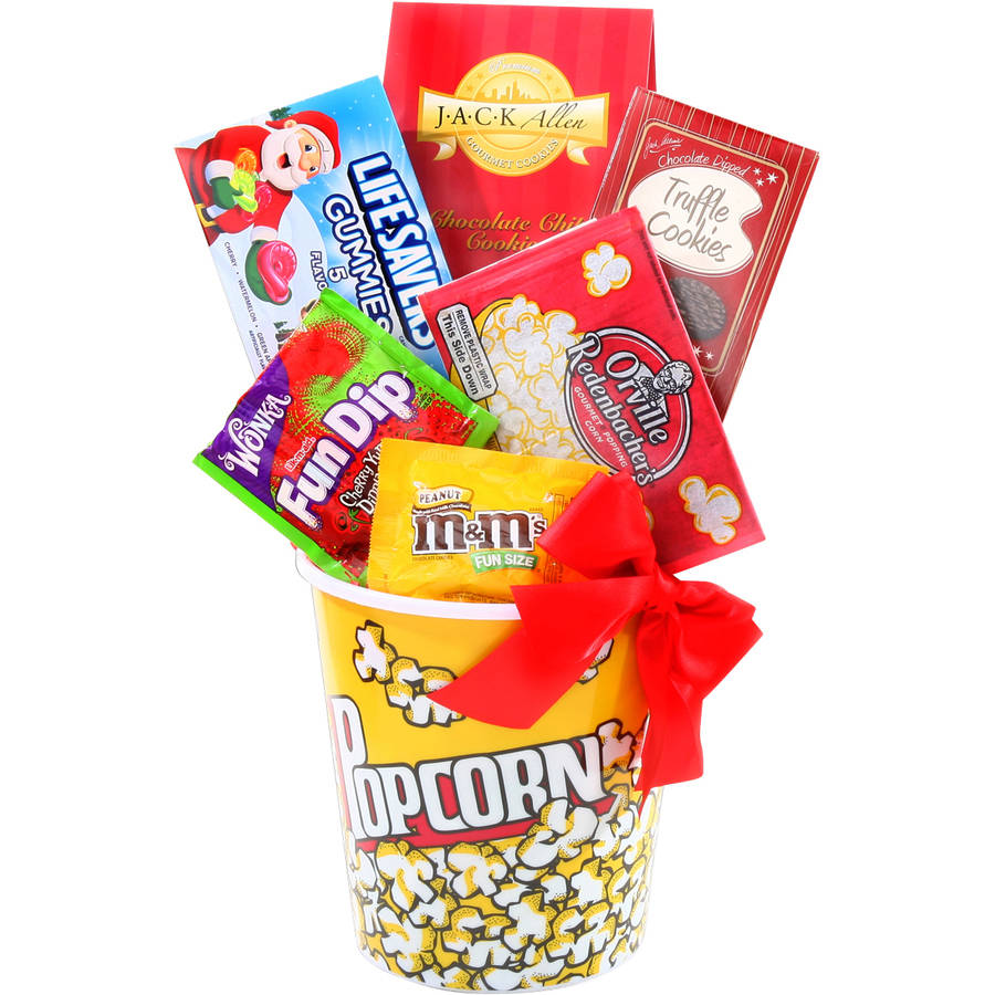 Alder Creek Holiday Movie Night Gift Set, 7 pc