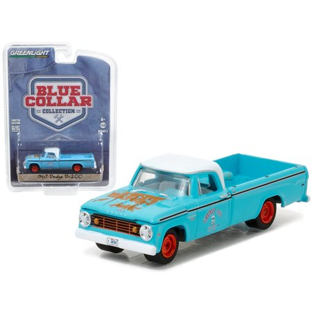 1967 Dodge D200 Pickup Truck Grump\'s Garage 1/64 Diecast Model Car by Greenlight 1970 Dodge D200 Pickup