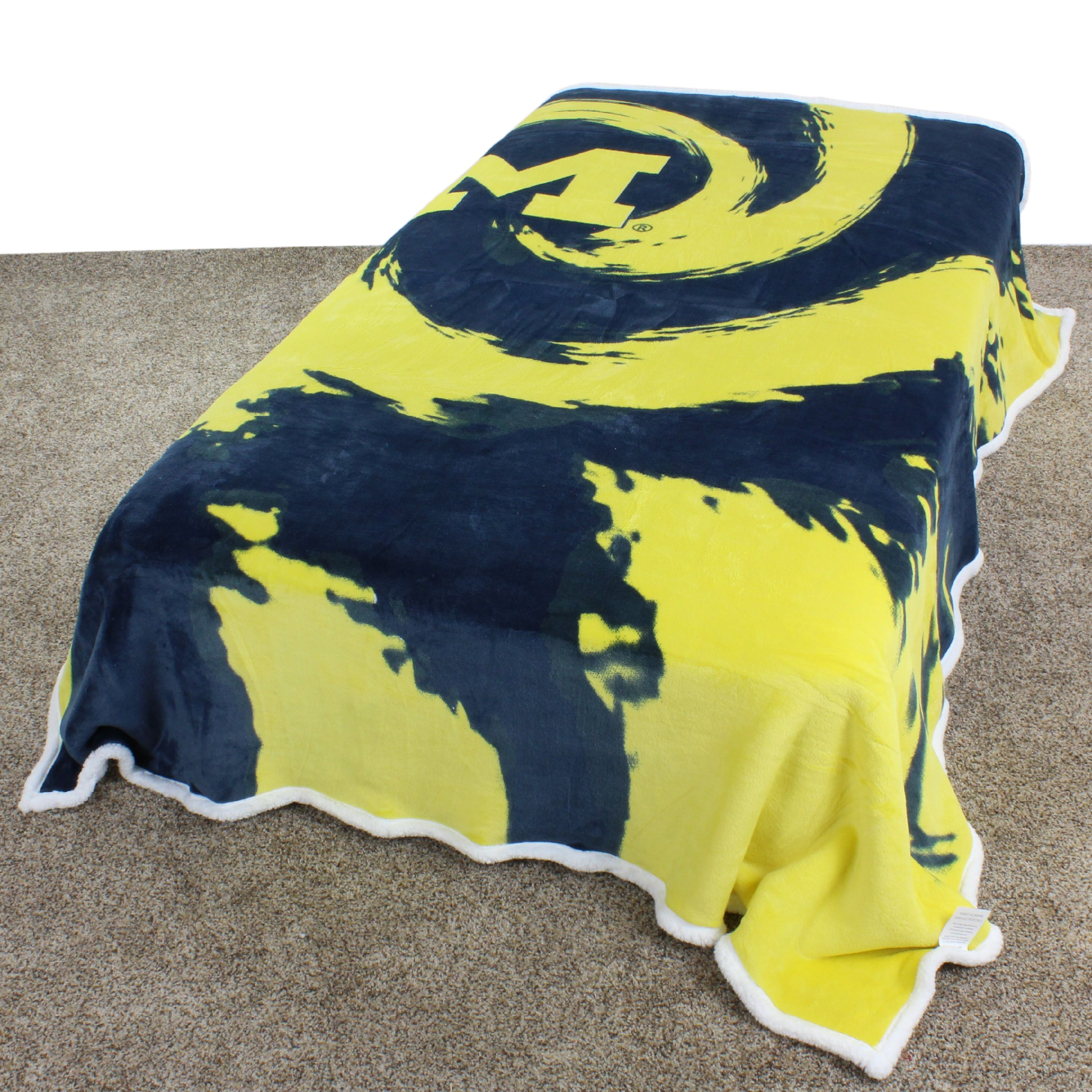 "Michigan Wolverines Super Soft Sherpa Blanket, 63"" x 86"""