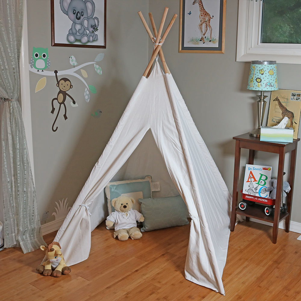 Sunnydaze Polyester 5 Foot Tall Kids' Teepee Play Tent with Carrying Case, 4-Pole Style, White by Sunnydaze Decor