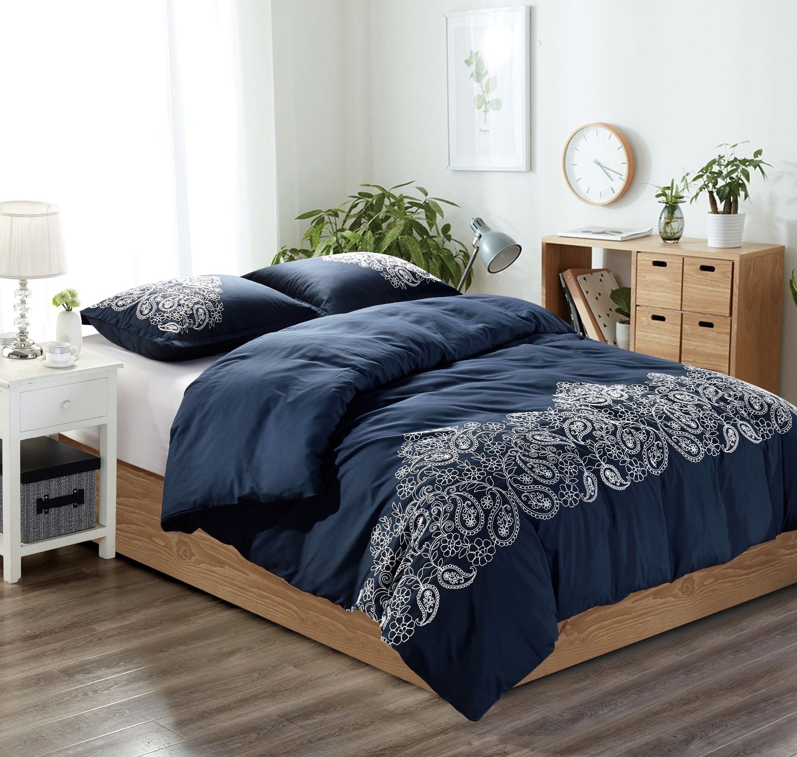 Chezmoi Collection Linz 3-Piece Paisley Floral Scroll Embroidered Duvet Cover Set