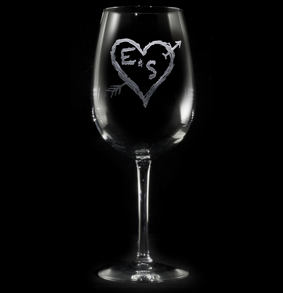 Personalized Initials in heart wine glass (1pc)
