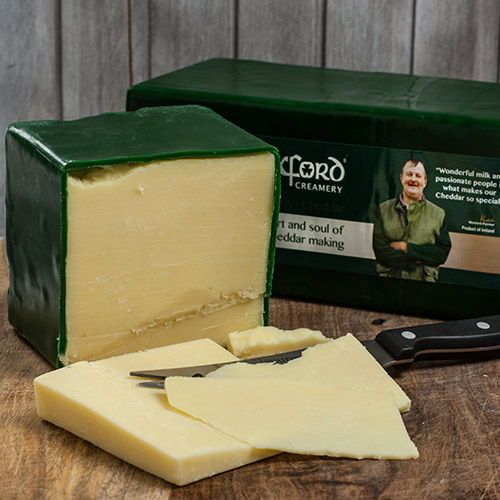 Irish Green Wax Mature Cheddar (7.5 ounce)
