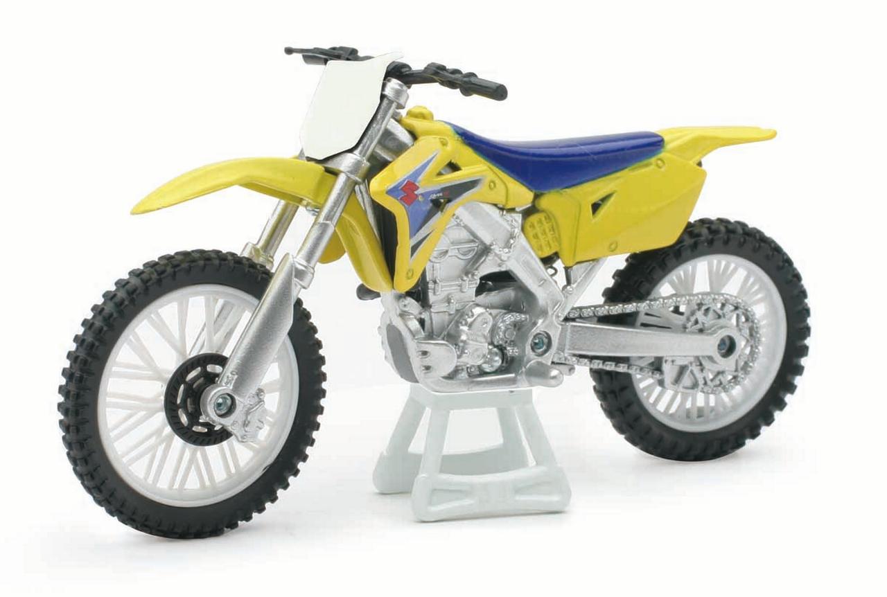 1:18 Scale Die-Cast Motorcycle Yellow Suzuki RM-Z450 by New-Ray Toys Co., Ltd.