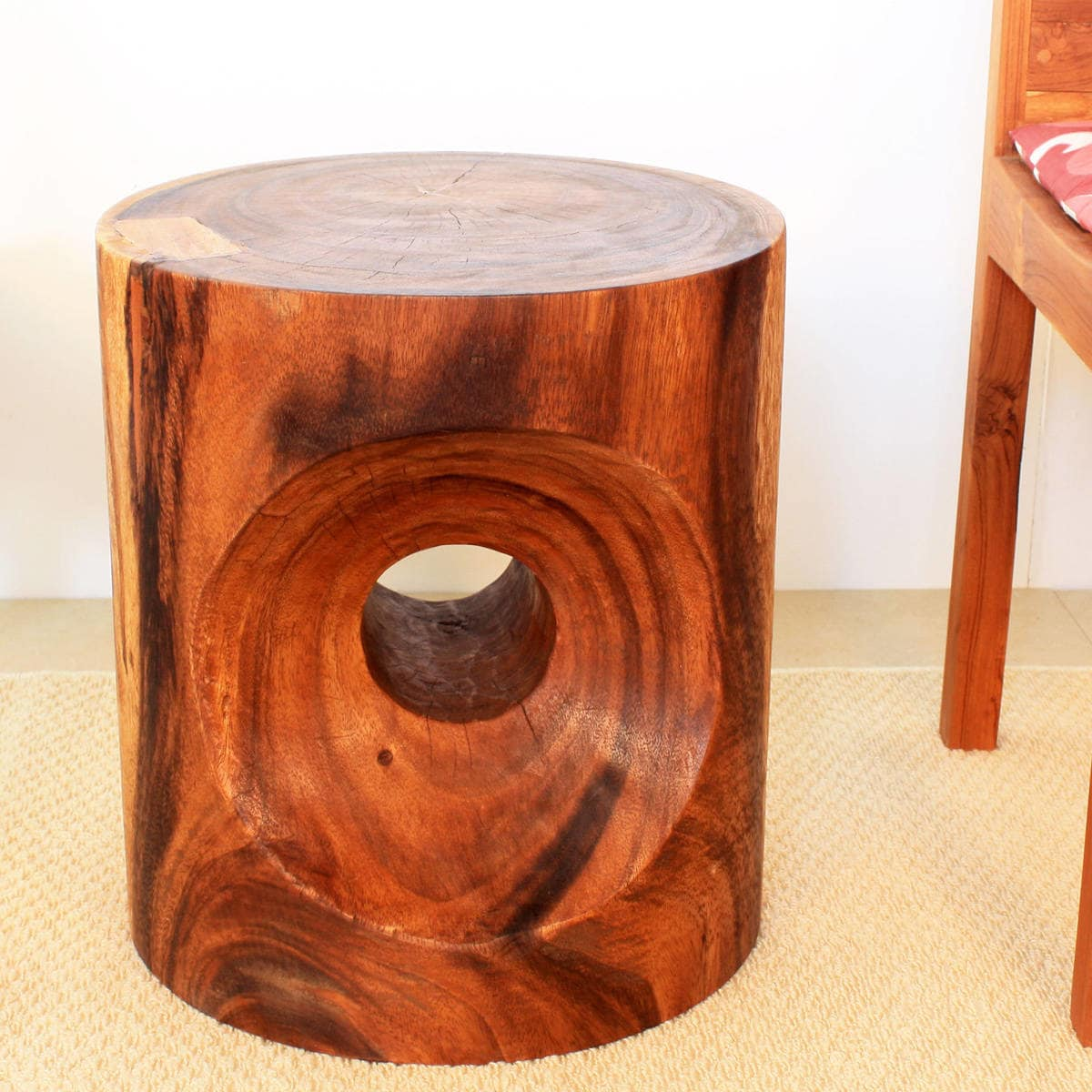 Haussmann Handmade 16 x 18 Walnut Oiled Peephole End Table (Thailand)