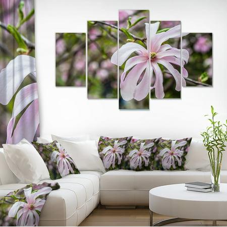 Beautiful Magnolia Flowers - Large Floral Canvas Art Print - image 1 de 3