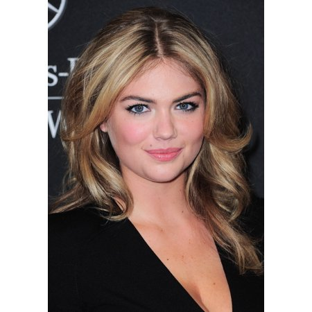 Kate Upton At Arrivals For 2013 Style Awards Canvas Art     16 X 20