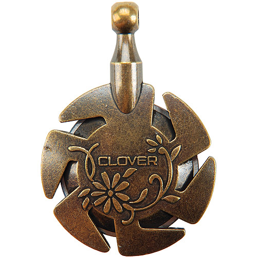 Clover Yarn Cutter Pendant, Antique Gold
