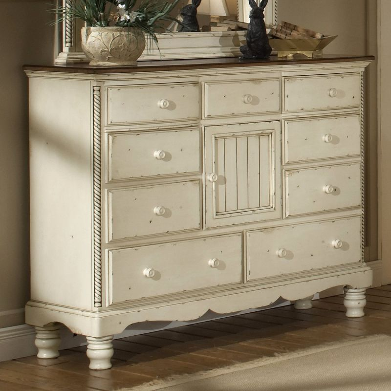 Hillsdale Furniture 1172-787 Wilshire Mule Chest by Hillsdale Furniture