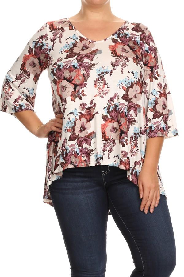 Women's PLUS trendy style  3/4 sleeve print tunic top.