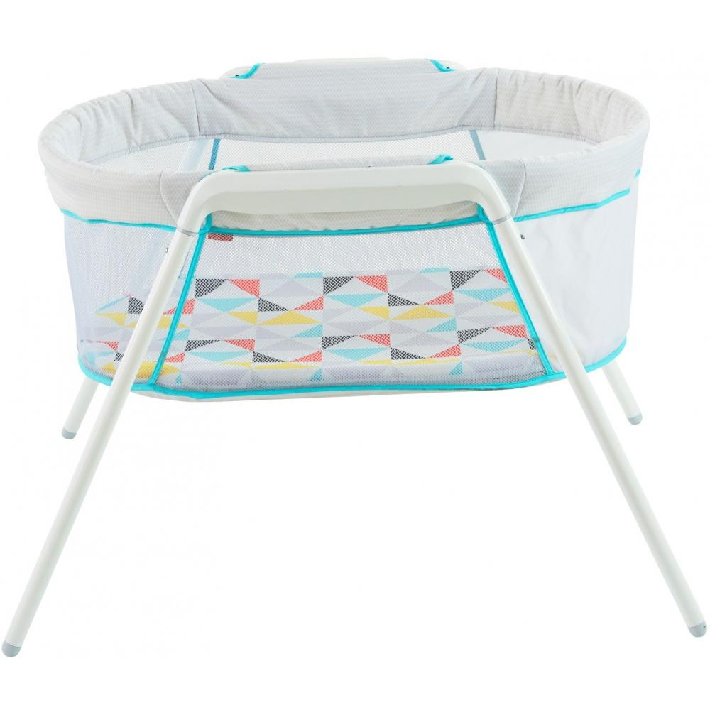 Fisher Price Stow 'N Go Bassinet by Fisher-Price