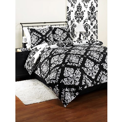Clic Noir Reversible Comforter Set