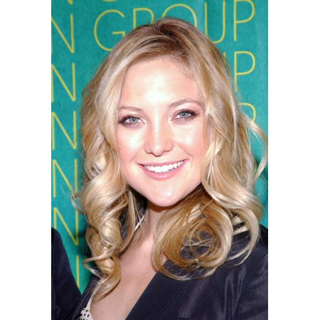 Kate Hudson At The Conceptualist Fashion Group International 21St Annual Night Of Stars At Ciprianis Canvas Art     16 X 20