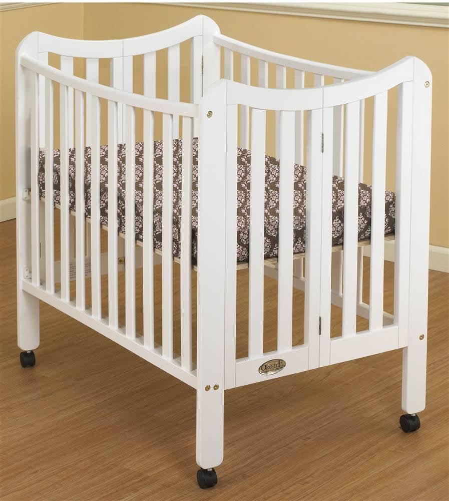 Portable 3 in 1 Crib in White Finish