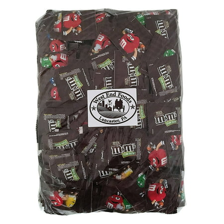 M&M's Milk Chocolate, Classic Candy (5 lbs) Bulk of Fun Size Snacks in a Bag. Perfect for a Party, Buffet, Pinata, Office, Wedding Favors, Valentine's Day, Halloween, or Christmas - Fun Easy Halloween Snacks