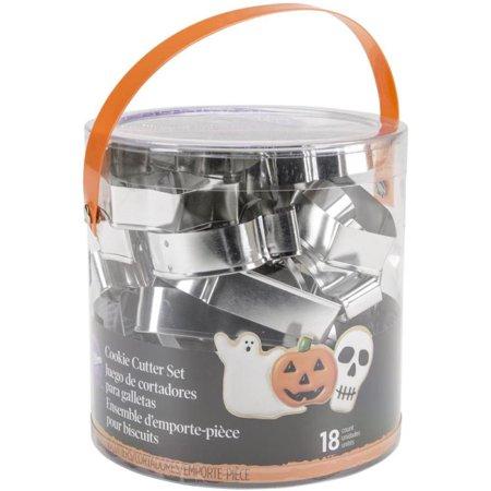 Wilton Metal HALLOWEEN COOKIE CUTTER TUB SET 18 Piece Pastry Cutters - Metal Cookie Cutters Halloween