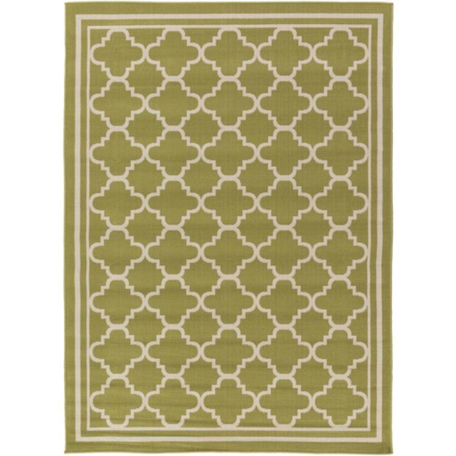 7.85' x 10.25' Chic Trellis Patterned Green and White Area Throw Rug