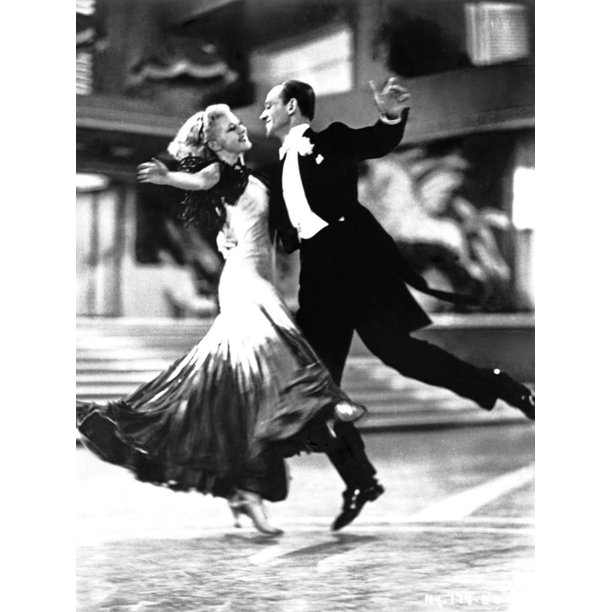 Fred Astaire And Ginger Rogers Classic Dancing Print Wall Art By Movie Star News Walmart Com Walmart Com