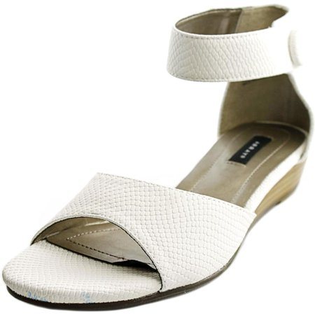 Array Havana Women W Open Toe Synthetic White Wedge Sandal