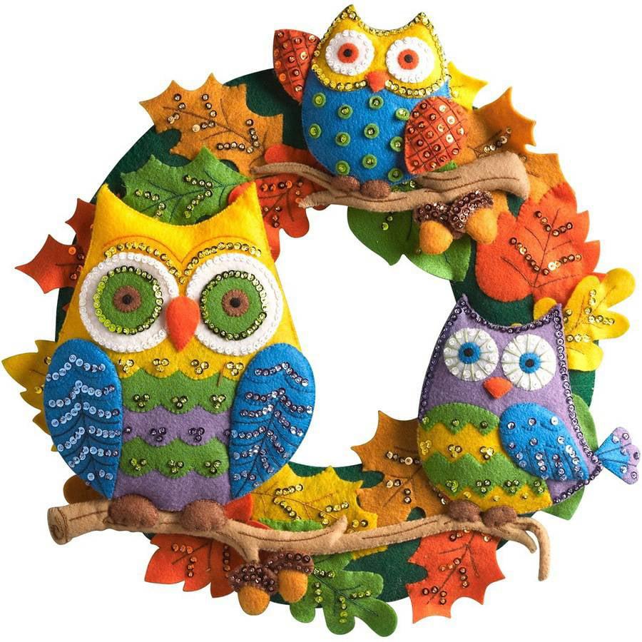 "Owl Wreath Felt Applique Kit, 17"" Round"