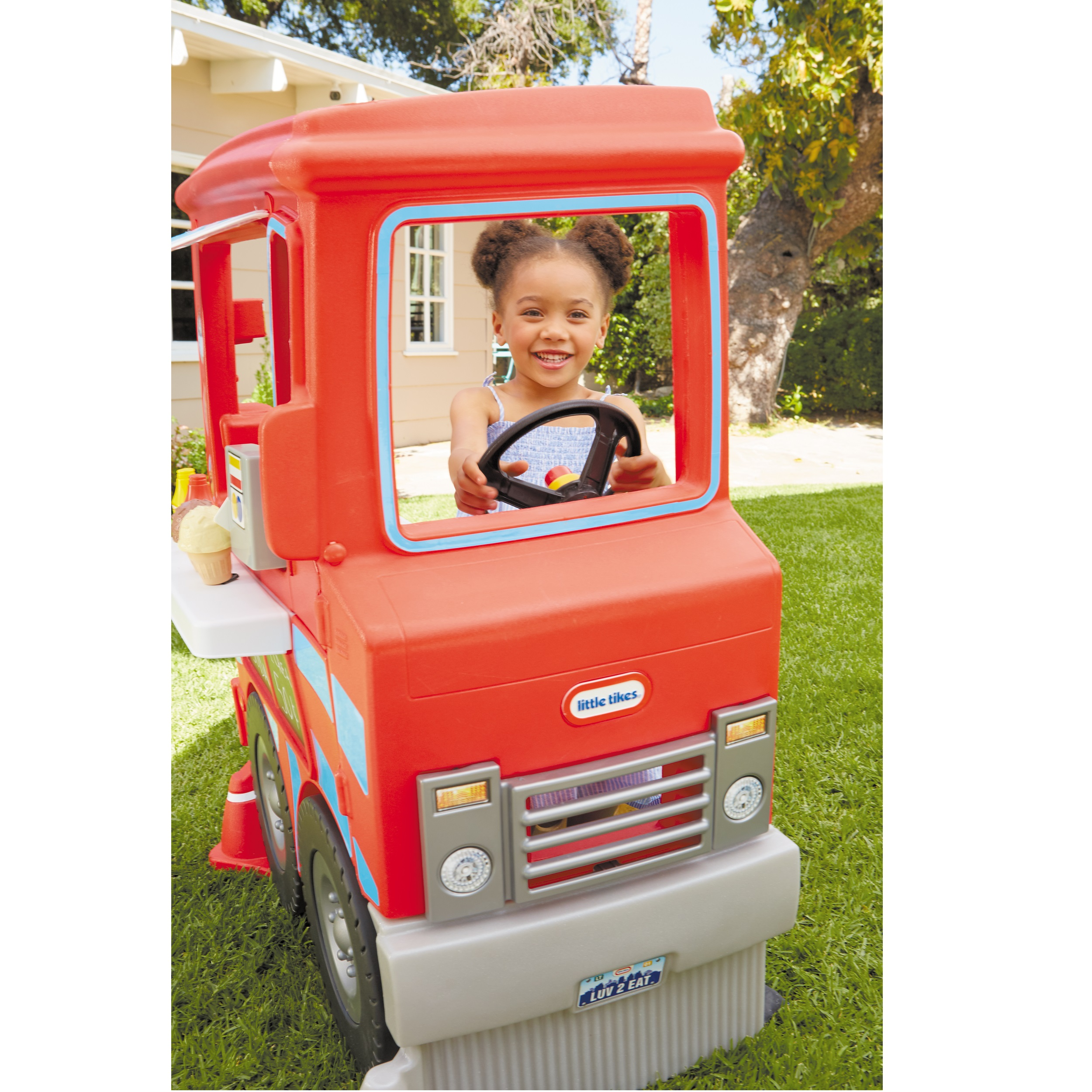 Little Tikes 2 In 1 Food Truck Play Kitchen With 20 Piece Accessory Play Set Walmart Com Walmart Com