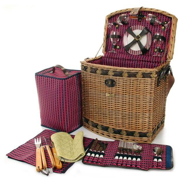 Willow BBQ Picnic Basket w Wicker Construction
