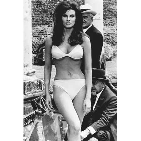 Biggest Bundle (Raquel Welch in The Biggest Bundle of Them All 24x36 Poster sexy in bikini )