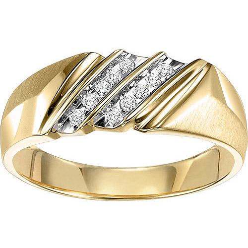 Men's 1/10 Carat T.W. Diamond Ring in 10kt Yellow Gold