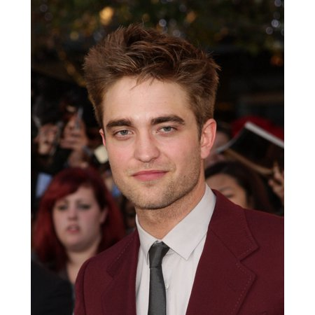 Robert Pattinson At Arrivals For The Twilight Saga Eclipse Premiere Canvas Art     16 X 20