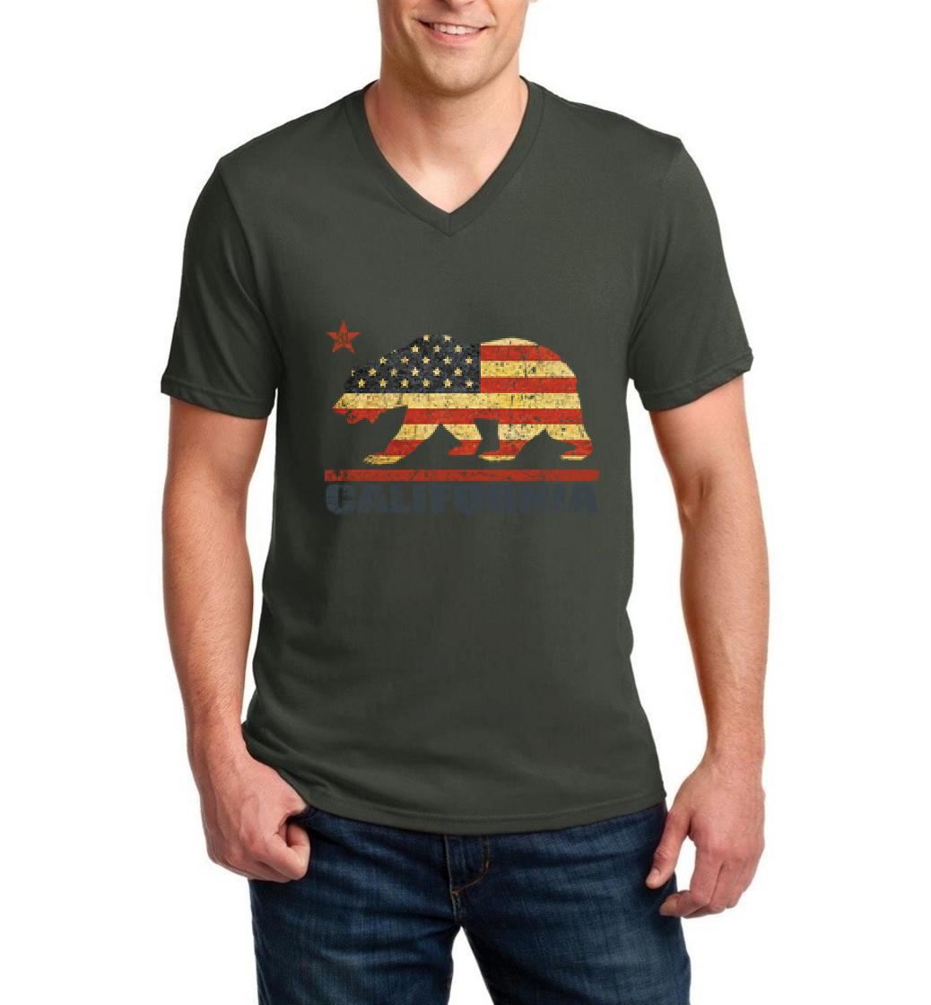 J_H_I California Americana Bear Gift for Hollywood CA USA Flag 4th of July Men V-Neck Shirts Ringspun