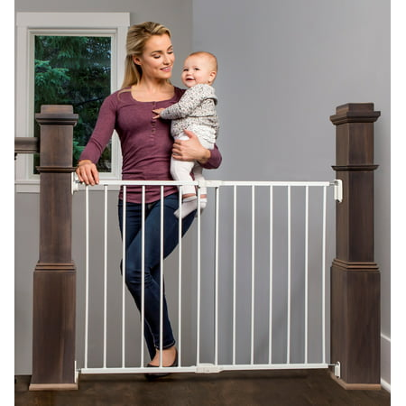 Regalo Extra Wide 2-in-1 Stairway and Hallway Safety Gate with Mounting Kit ()