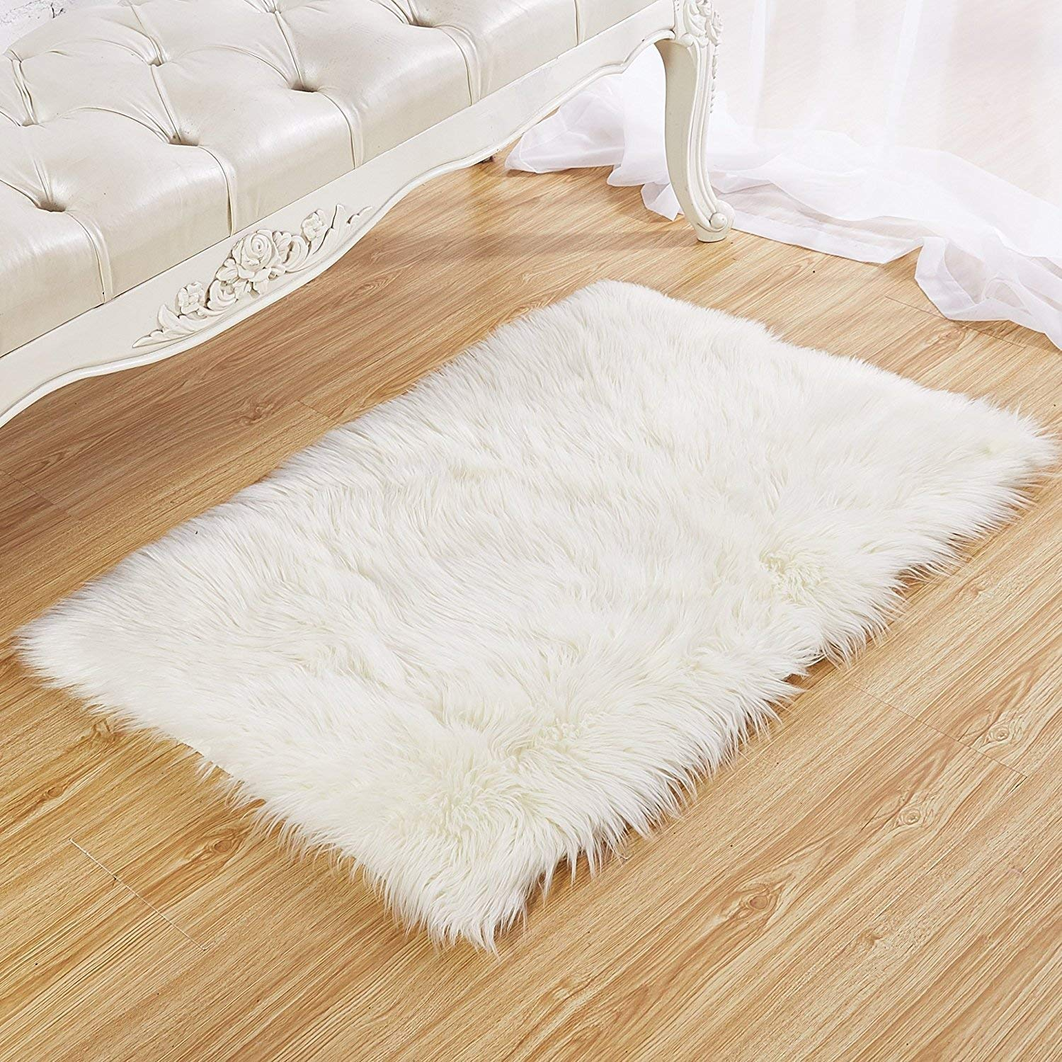 Faux Fur Rug 60 X 90 cm Tayyakoushi Soft Fluffy Rug Shaggy Rugs Faux Sheepskin Rugs Floor Carpet for Living Room Bedrooms Decor (White)