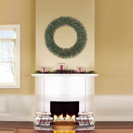 Holiday Time Green Basic Artificial Christmas Wreath, 36 in ()