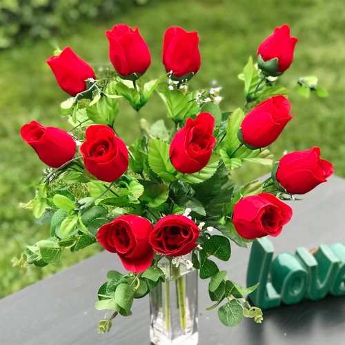 Charlton Home Artificial Red Rose Floral Arrangement in Vase