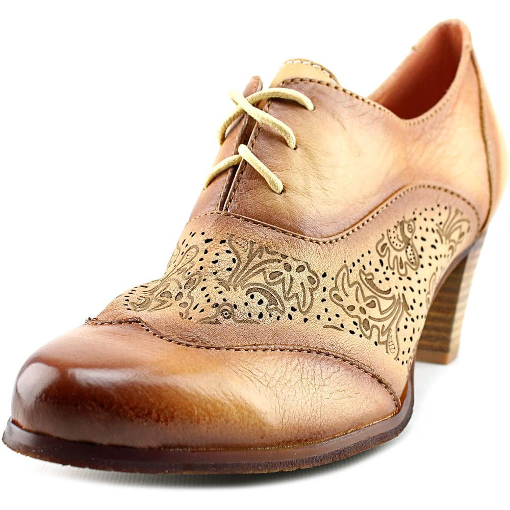 L'Artiste by Spring Step Agila Women Wingtip Toe Leather Tan Oxford by L'Artiste by Spring Step