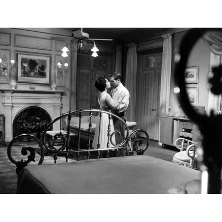 CAT ON A HOT TIN ROOF, 1958 directed by RICHARD BROOKS Elizabeth Taylor and Paul Newman (b/w photo) Print Wall (Cat On A Hot Tin Roof Character Analysis)