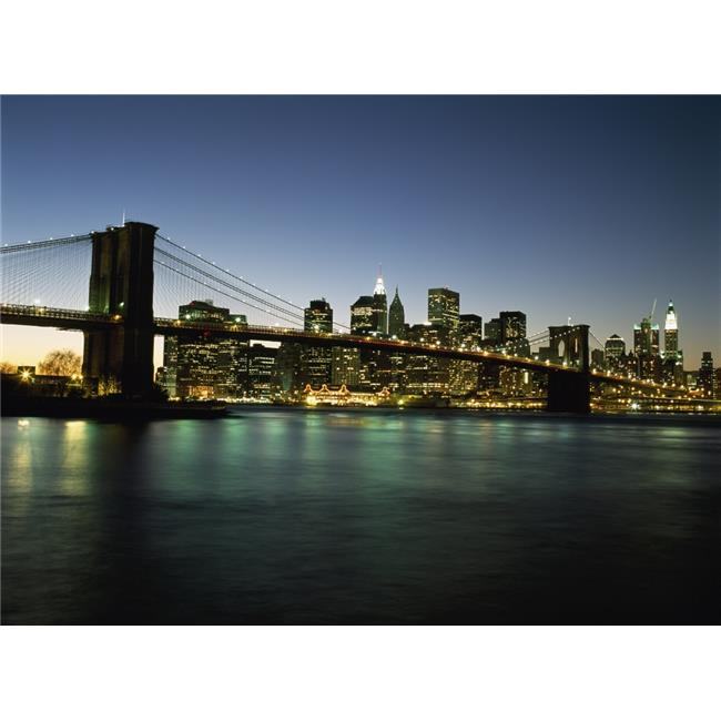 Posterazzi DPI1884562LARGE Looking Across The East River & The Brooklyn Bridge to The Financial District At Dusk Poster Print, 36 x 26 - Large - image 1 de 1