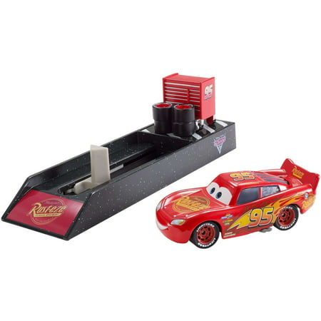 (Disney/Pixar Cars Cars 3 Lightning McQueen Launcher)