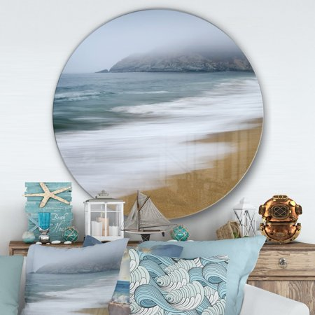 DESIGN ART Designart 'Gray Whale Cove' Nautical & Coastal Metal Circle Wall Art (Whole Design)