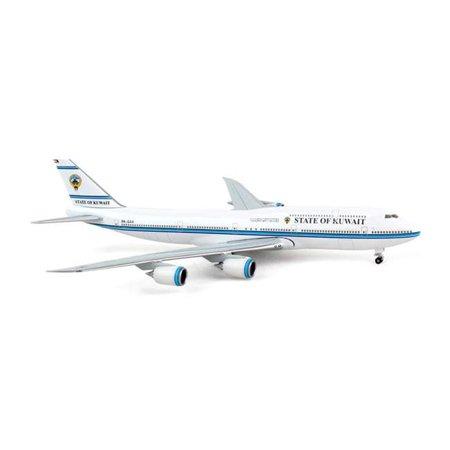 Hogan 500 Scale Die-Cast HG5514 1-500 State of Kuwait 747-8 REG No. 9K-GAA Unflexed Wings